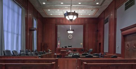 Should I Wait for a Jury Verdict or Settle My Florida Personal Injury Claim?